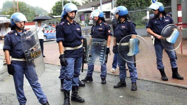 Poliziotti all'Ossola in occasione di Varese-Como