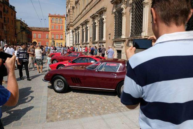 Tanti scatti e persino selfie con i bolidi (foto Fiocchi)
