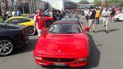 Alcune delle 500 Ferrari arrivate da tutta Europa a Maranello (foto Annese)