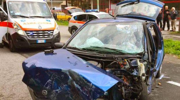 Come si presentava la Fiat Punto dopo il violento schianto (De Pascale)