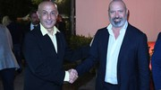 Il ministro degli Interni Marco Minniti stringe la mano al presidente della Regione Stefano Bonaccini (Foto Fiocchi)