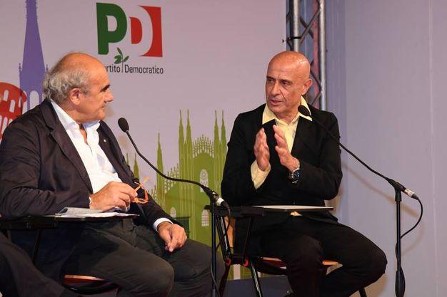 Il vice direttore de il Resto del Carlino intervista il ministro dell'Interno Marco Minniti alla Festa dell'Unità di Modena (Foto Fiocchi)