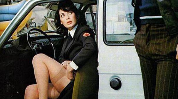 MEMORABILE Vigilesse e poliziotte sexy spopolavano nelle commedie degli anni '80. Nella foto Edwige Fenech