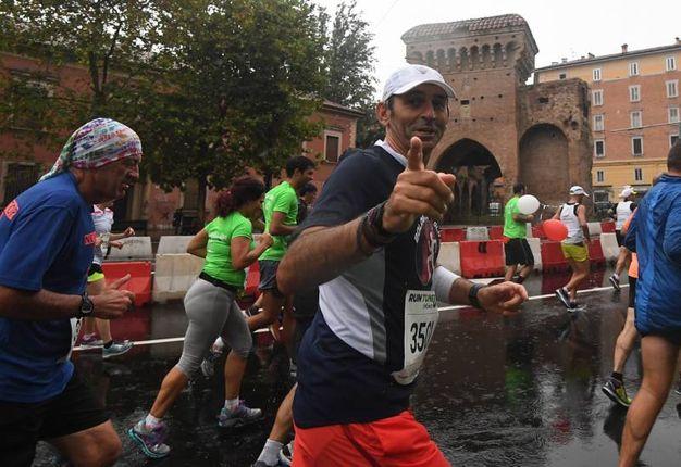 Sorrisi durante la corsa (foto Schicchi)