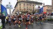 La pioggia non ha fermato gli amanti della corsa (foto Schicchi)