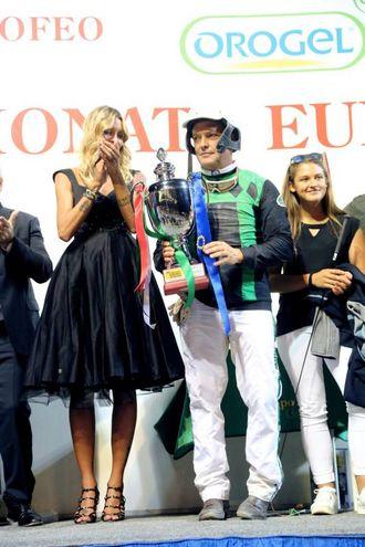 Bellei premiato da Casalegno (foto Ravaglia)