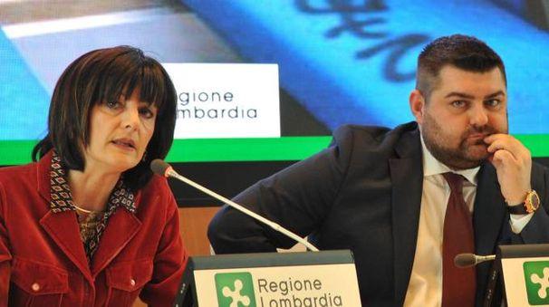 L'ad di Trenord Cinzia Farisè e l'assessore Alessandro Sorte (Newpress)