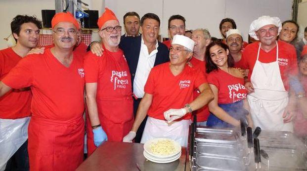 Renzi alla festa dell'Unità (foto New Pressphoto)