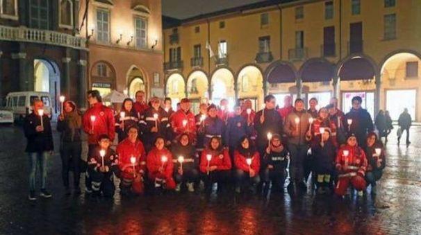 I volontari della Croce rossa di Imola in piazza Matteotti