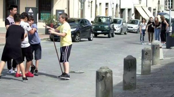 Un momento delle riprese nelle strade del borgo mediceo