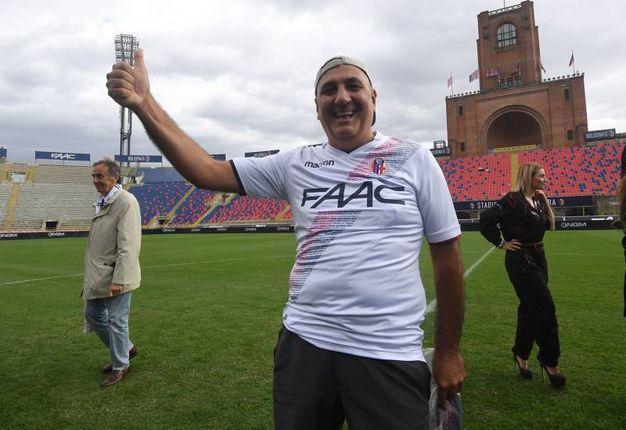 La partenza di Edoardo Corvinelli dallo stadio Dall'Ara per arrivare al Franchi (foto Schicchi)