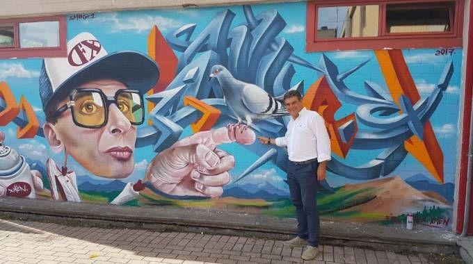 Fano, il sindaco inaugura il murale di Smog One