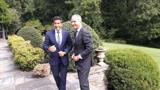 Da sinistra, il dottor Sanjay Gupta e Armando Varricchio