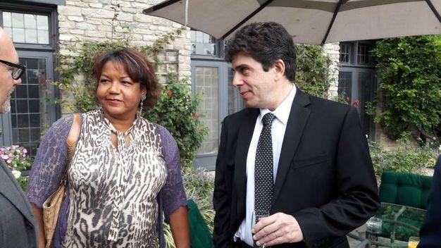 Da sinistra, Helene Cooper con Sebastian Rotella