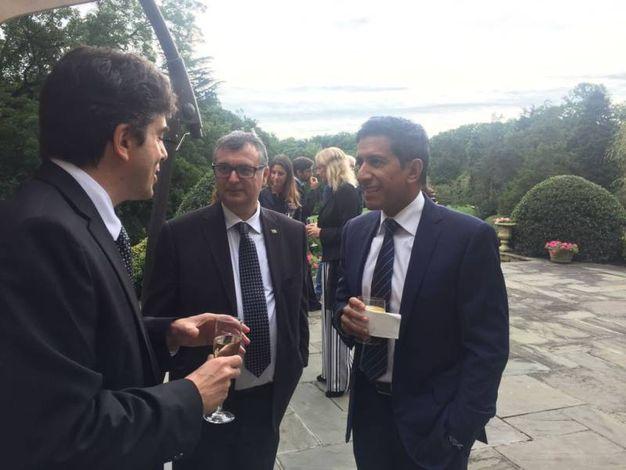 Da sinistra, Sebastian Rotella, Giovanni Lani e il dottor Sanjay Gupta