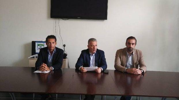 L'assessore Kristopher Casati, il sindaco Pierluigi Peracchini e l'assessore Lorenzo Brogi