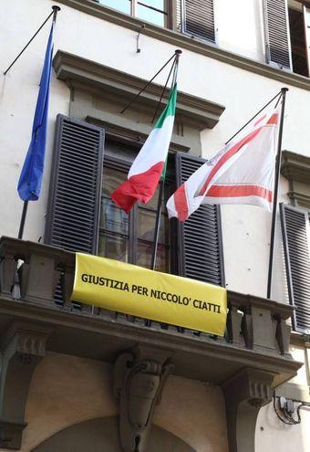 Striscione per Niccolò Ciatti sulla facciata del Consiglio regionale della Toscana a Firenze  (Umberto Visintinii/New Press Photo)