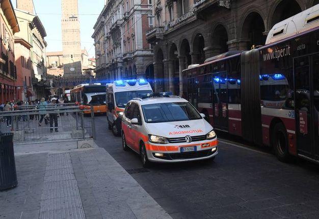 Automedica e ambulanza (foto Schicchi)