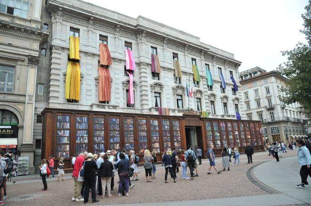 Milano XL, installazione scenografica a Palazzo Marino