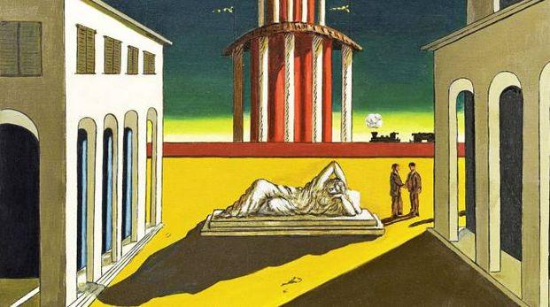 """FORME E COLORI Due delle opere esposte: Giorgio De Chirico, """"Piazza d'Italia"""" e (a destra)  Alberto Savinio, """"Pensée et action"""". Entrambe provengono da collezioni private"""