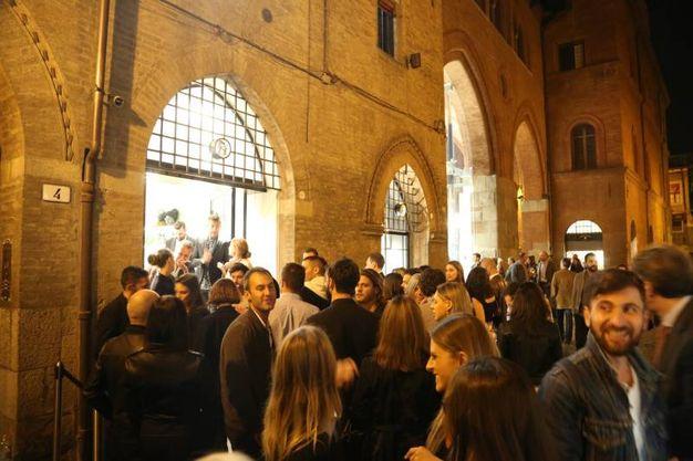 Tantissima gente all'inaugurazione (foto Schicchi)