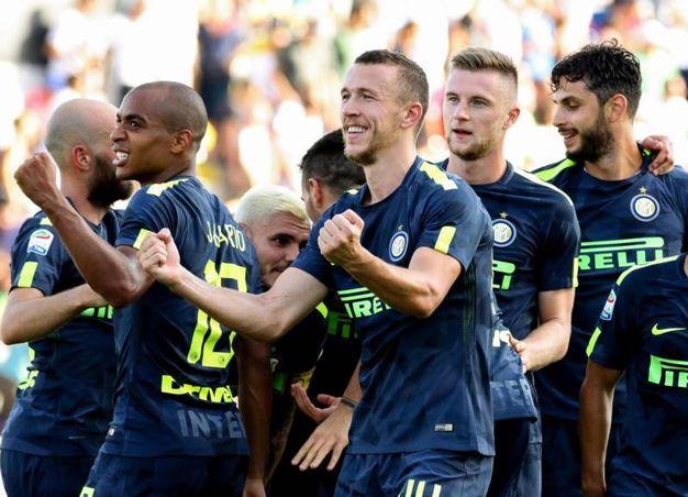 Crotone-Inter, l'esultanza di Perisic dopo il gol (foto Ansa)