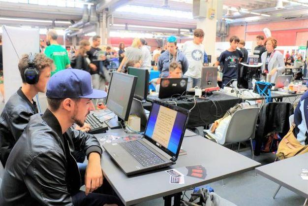 Tutti al computer (foto Nevent)