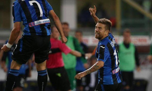 Chievo-Atalanta, Gomez esulta dopo il gol del pareggio (foto Ansa)