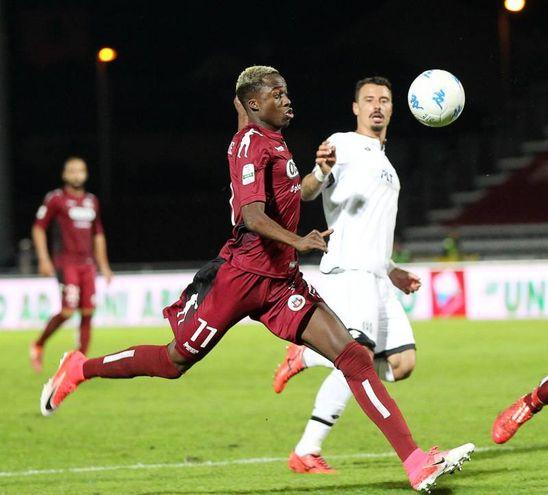 Cittadella-Cesena 4-0, l'ennesimo attacco (foto Lapresse)