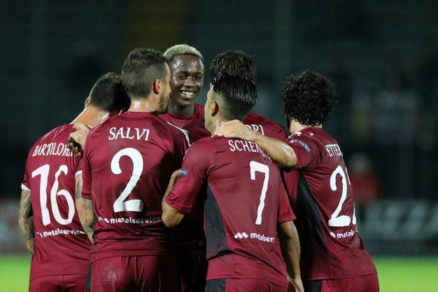 Cittadella-Cesena 4-0, i giocatori di casa dopo un gol (foto Lapresse)
