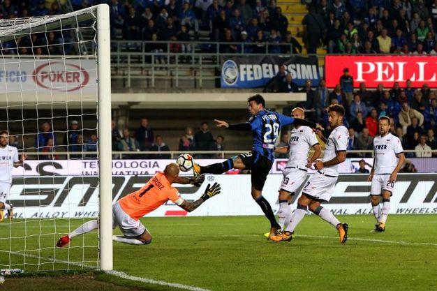 Il gol dell'1-0 siglato da Petagna (Lapresse)