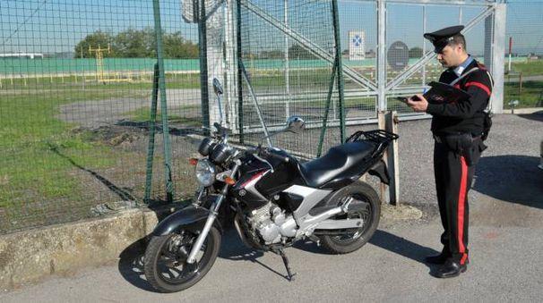 La moto su cui viaggiava la vittima (Canali)