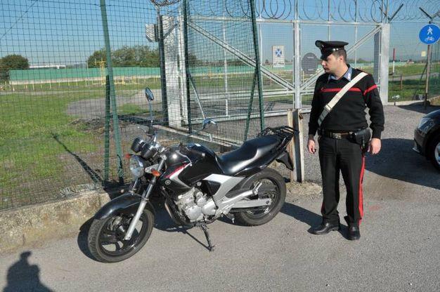 Scontro auto-moto a Peschiera Borromeo, morto centauro