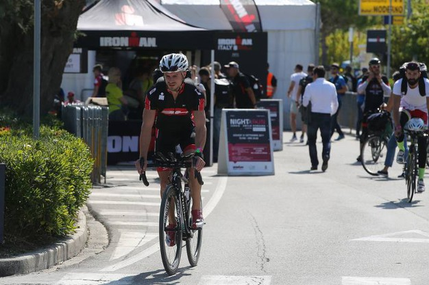 2500 concorrenti iscritti alla prima edizione tutta italiana di  Ironman (foto Zani)