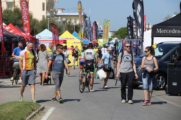 E' arrivata a Cervia la gara sportiva di triathlon più estrema (foto Zani)