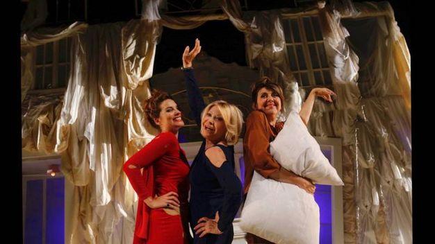 'Queste pazze donne' il 30 novembre e 1 dicembre sul palco del Ventidio