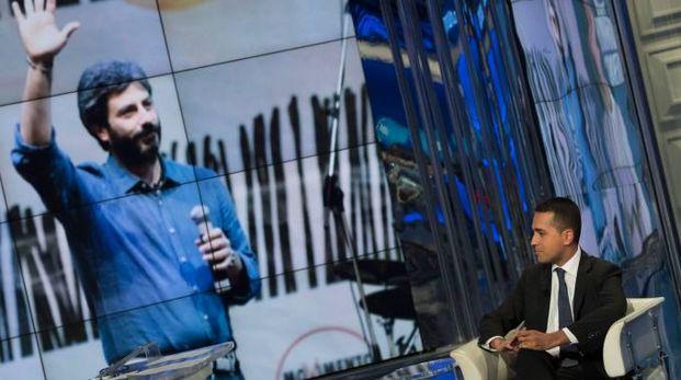 Luigi Di Maio (sullo sfondo Roberto Fico) - Foto Imagoeconomica