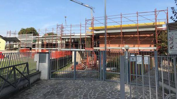 I tempi per il rifacimento  del tetto si sono allungati  per la necessità  di assolvere  alle norme  anti-sismiche