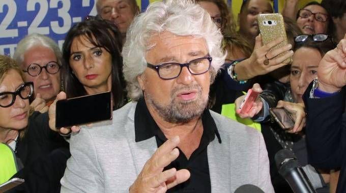 La platea alla Fiera di Rimini durante la prima serata di Italia 5 Stelle