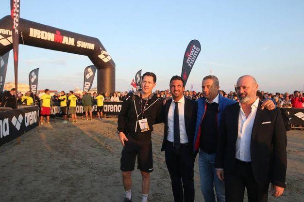 Cervia, Ironman 2017. La partenza con Bonaccini (Foto Zani)