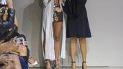 Federica Pellegrini con la stilista Raffaella D'Angelo (Ansa)