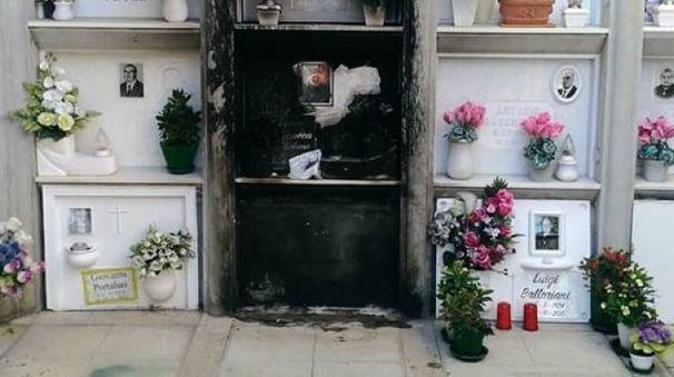 Vandali al cimitero di Porto Recanati