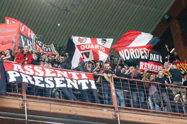 I tifosi rossoneri (Lapresse)