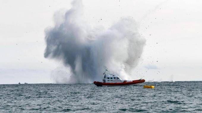 Frecce Tricolori, caccia precipita in mare a Terracina (Ansa)