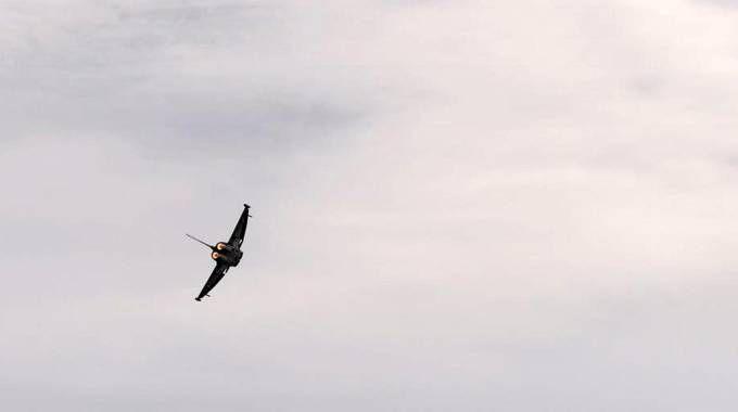 Terracina, il caccia che è precipitato in mare (Ansa)