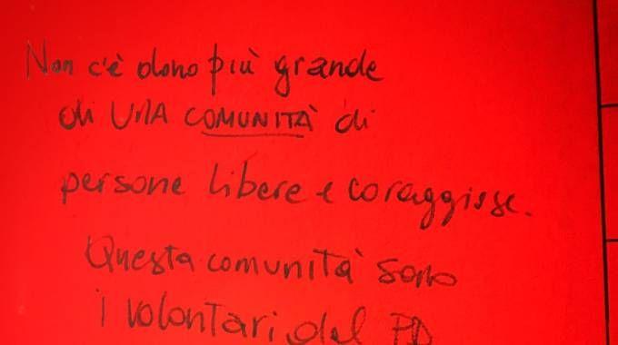 La dedica di Renzi ai volontari