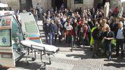 L'arrivo dei soccorsi davanti al tribunale di Perugia