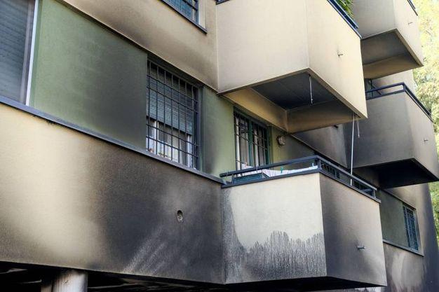 Le finestre dell'appartamento sfollato (foto Schicchi)