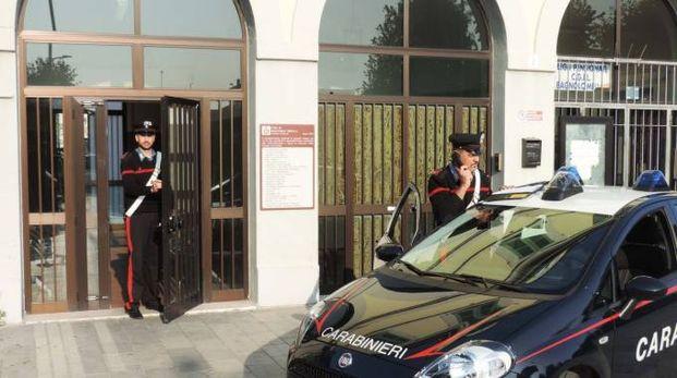 Carabinieri in azione alla stazione di Bagnolo Mella