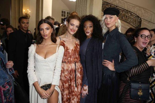 Emily Ratajkowski, Natalia Vodianova, Winnie Harlow and Karlie Kloss allo show Dior (LaPresse)